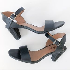 NWOB Lucky Brand Heeled Black and Brown Sandals
